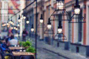 outdoor restaurant lighting installation